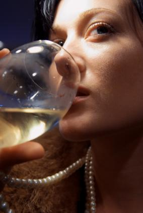 How Alcohol Dries Out Your Mouth